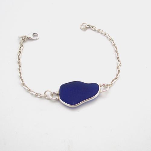 cobalt blue sea glass bracelet 2