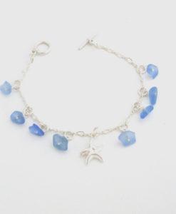 cornflower-blue-sea-glass-dangle-bracelet