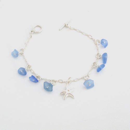 cornflower-blue-sea-glass-dangle-bracelet