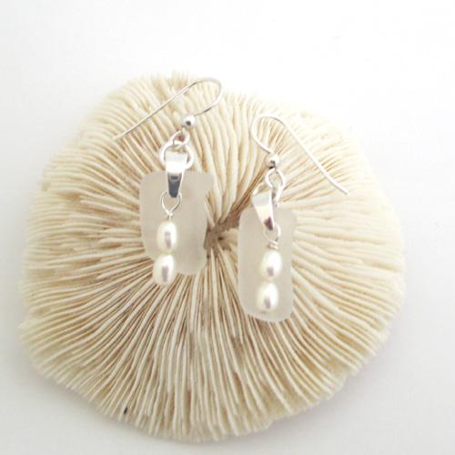 white earrings5
