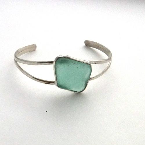 504 Aqua Sea Glass Bracelet 1