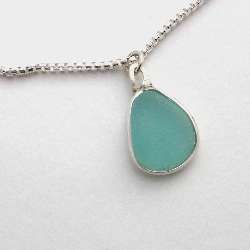 turquoise sea glass neckace 3