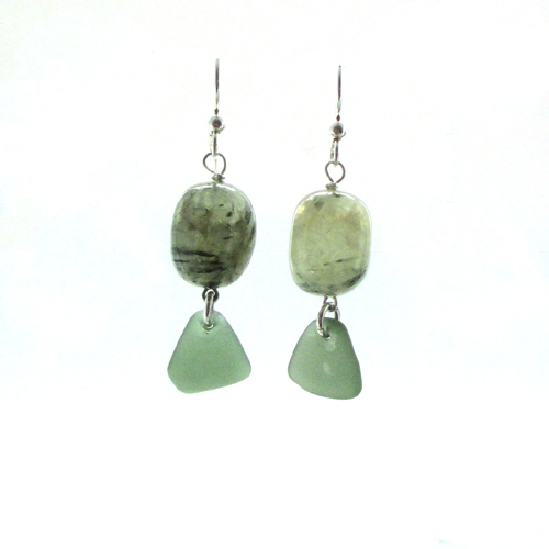 green earrings 1